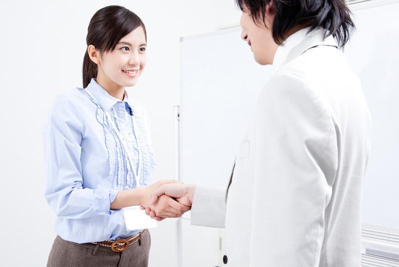 顧客を紹介で獲得する