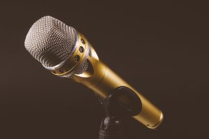 microphone-1246057_960_720
